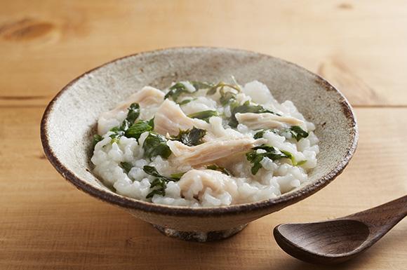 七草粥の炊飯器レシピ人気3選|味付け簡単鶏肉を使った子供が